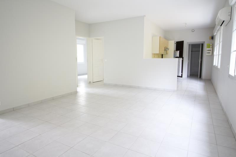 Sale apartment Gelos 113500€ - Picture 2