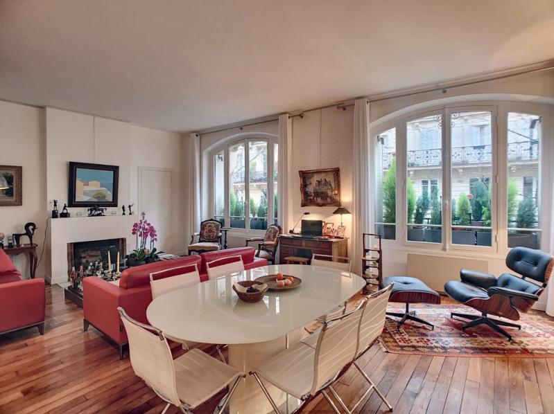 Deluxe sale apartment Paris 1er 1300000€ - Picture 1