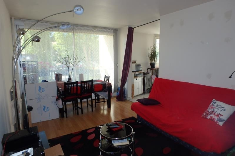 Rental apartment Chaville 751€ CC - Picture 1