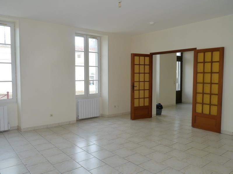Rental apartment Tesson 550€ CC - Picture 3