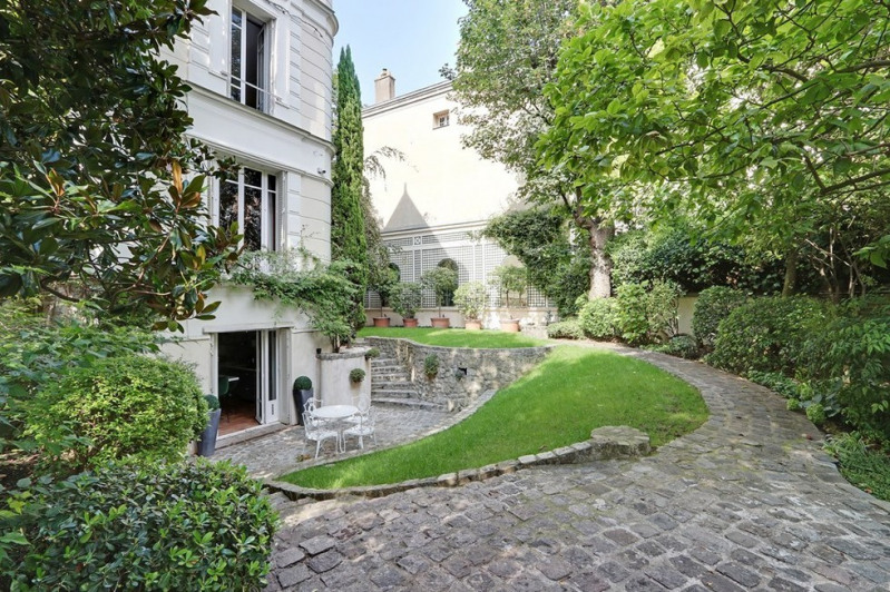 Deluxe sale private mansion Paris 16ème 4 850 000€ - Picture 1