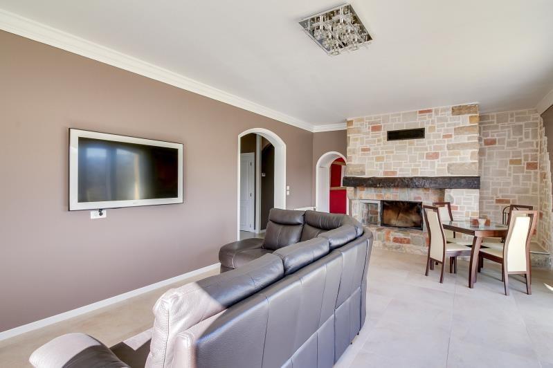 Deluxe sale house / villa Gelos 699000€ - Picture 2
