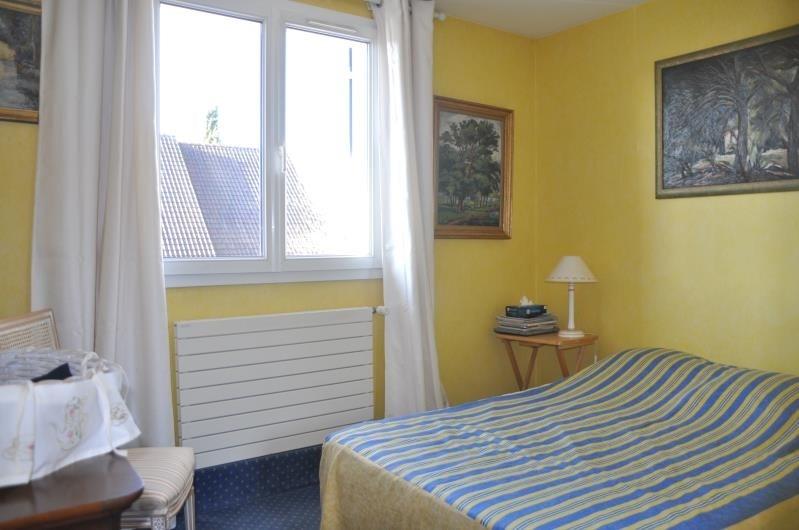 Sale house / villa St nom la breteche 748000€ - Picture 8