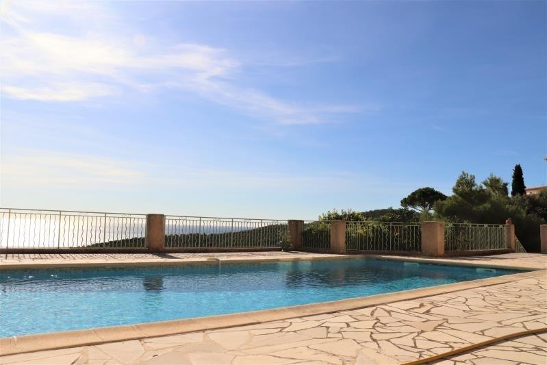 Deluxe sale house / villa Cavalaire sur mer 998000€ - Picture 2