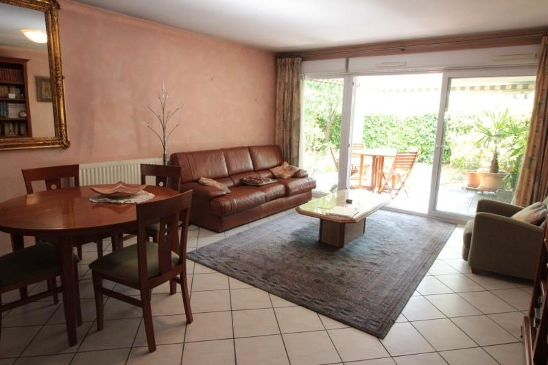Sale apartment Annecy 380 000€ - Picture 2