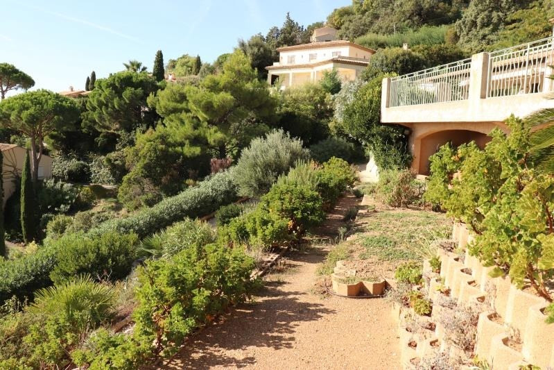 Deluxe sale house / villa Cavalaire sur mer 998000€ - Picture 5