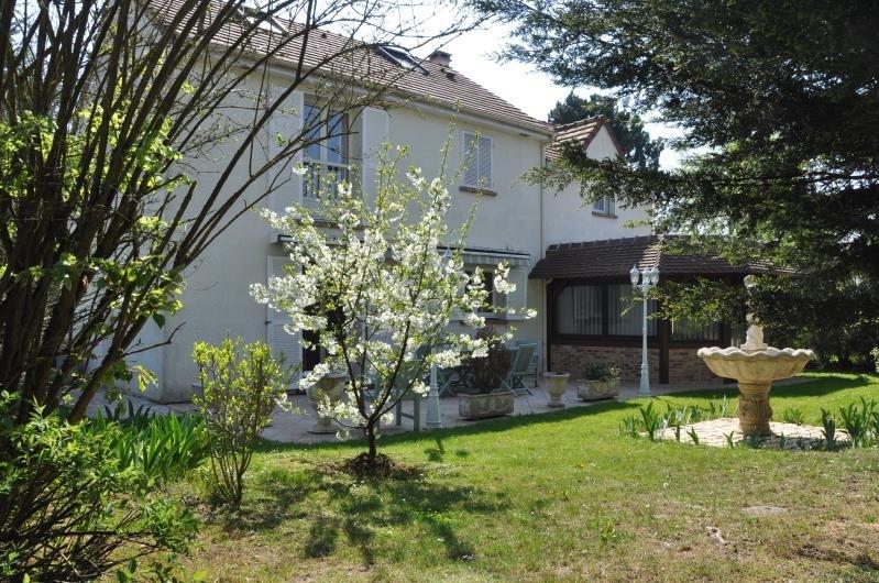 Sale house / villa St nom la breteche 740000€ - Picture 2