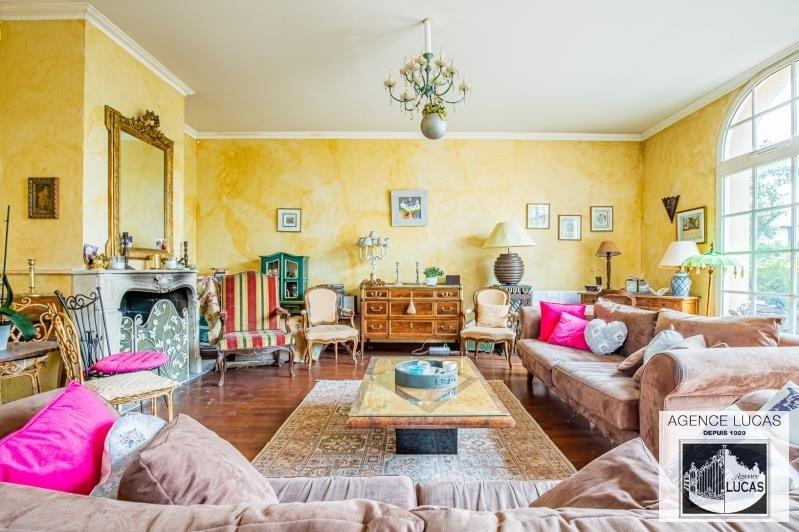 Deluxe sale house / villa Verrieres le buisson 1450000€ - Picture 1