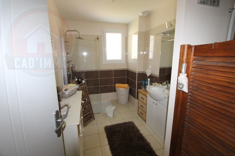 Sale house / villa St aubin de lanquais 184000€ - Picture 4