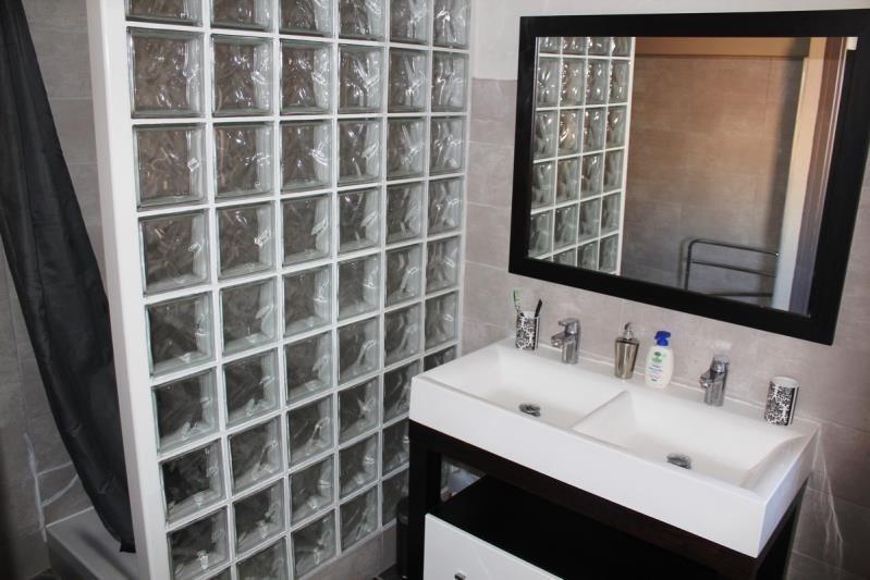 Rental apartment Villeneuve les avignon 750€ CC - Picture 6