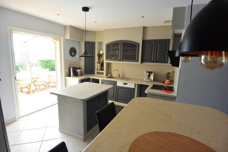 Deluxe sale house / villa Aix en provence 690000€ - Picture 2
