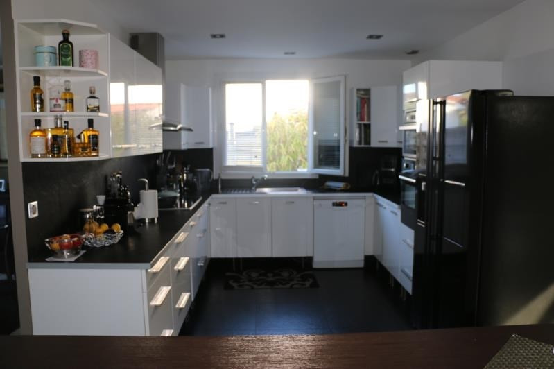 Sale house / villa St nom la breteche 848000€ - Picture 6