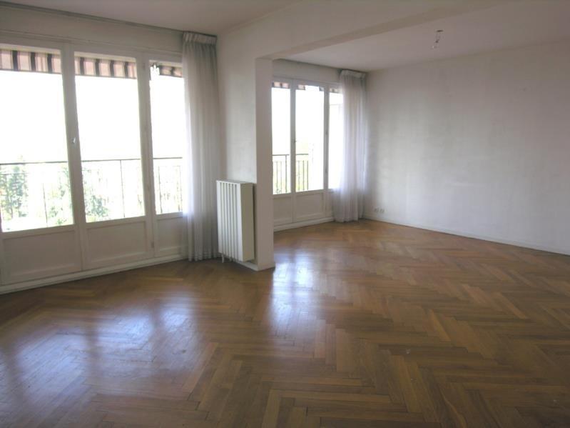 Rental apartment Ste foy les lyon 1135€ CC - Picture 1