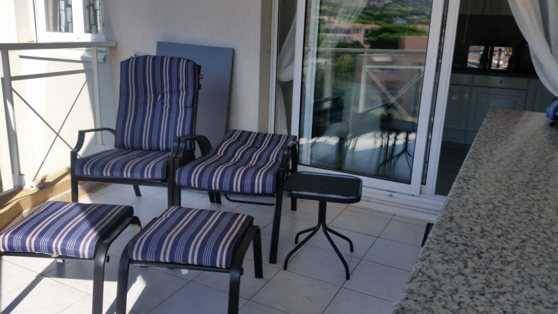 Vacation rental apartment Cavalaire sur mer 300€ - Picture 5