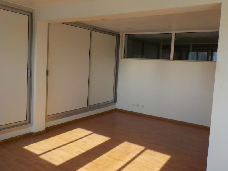 Location boutique Albigny sur saone 717€ CC - Photo 2