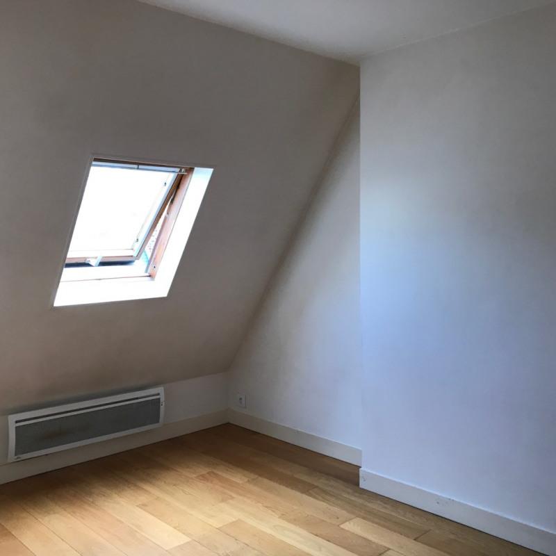 Locação apartamento Paris 8ème 832€ CC - Fotografia 2