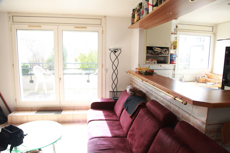 Sale apartment Courbevoie 388 000€ - Picture 3