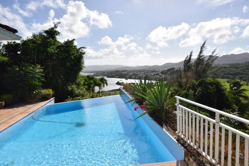 Deluxe sale house / villa Les trois ilets 857000€ - Picture 1