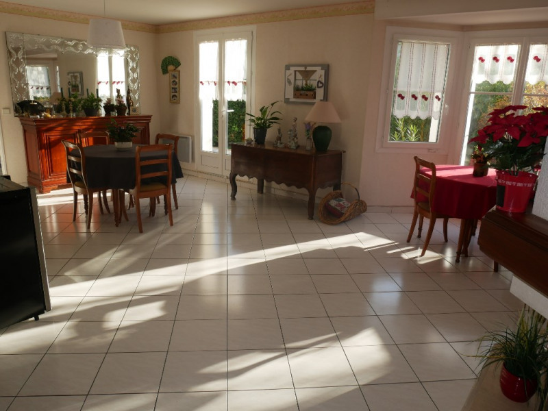 Sale house / villa Poissy 515000€ - Picture 2