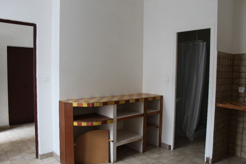 Location appartement Lambesc 350€ CC - Photo 3