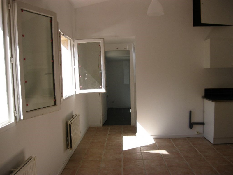 Rental apartment Meyrargues 800€ CC - Picture 8