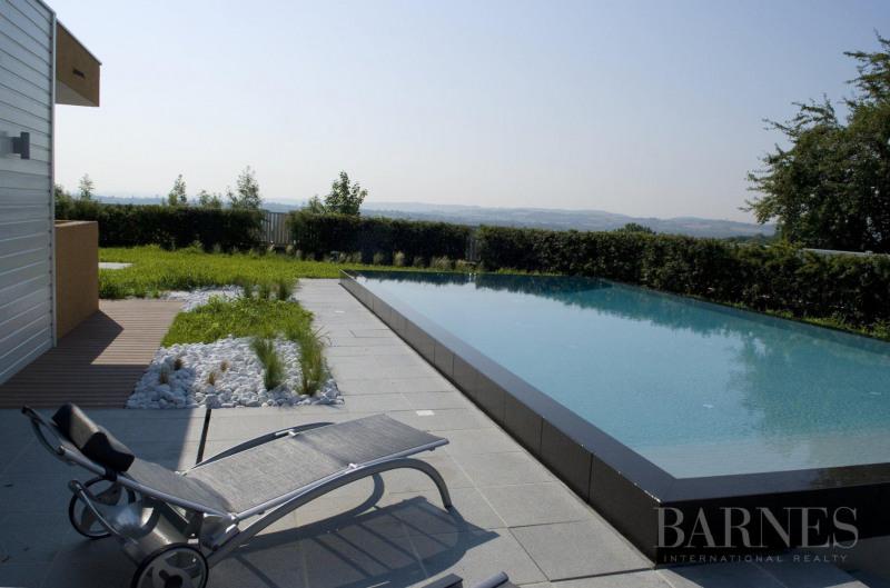 Deluxe sale house / villa Vernaison 990000€ - Picture 1