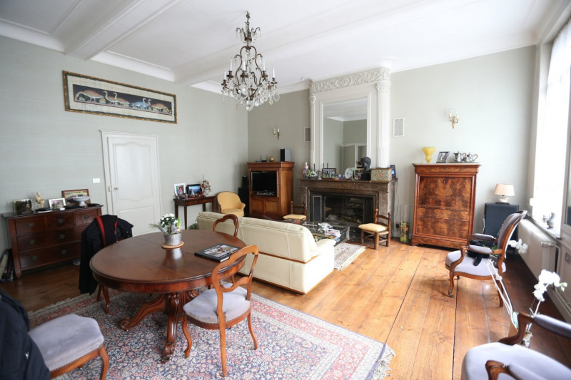 Maison bourgeoise * 5 pièces * 198 m² * 62500 ST-OMER * 304