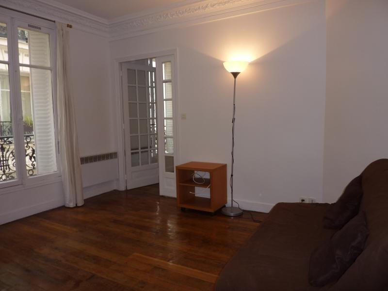 Rental apartment Paris 12ème 1200€ CC - Picture 1
