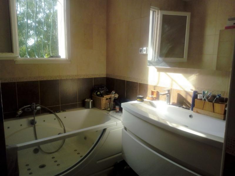 Sale house / villa Benet 196900€ - Picture 4