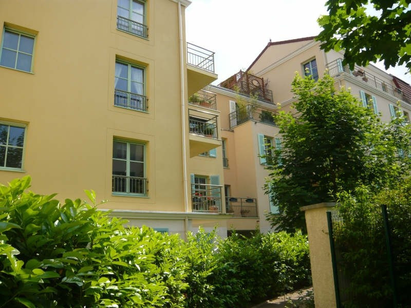 Location appartement Rueil malmaison 1893€ CC - Photo 1