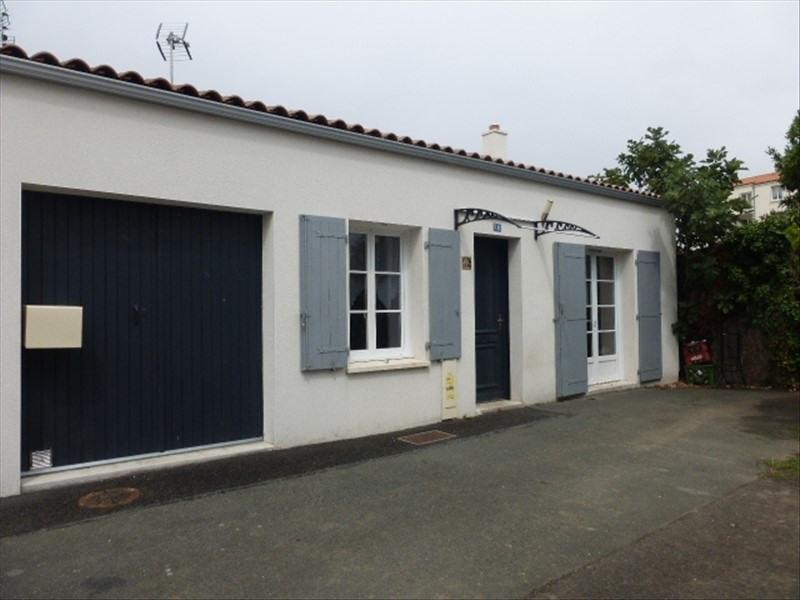 Sale house / villa Rochefort 180000€ - Picture 1