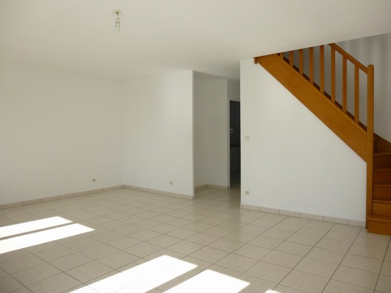 Location maison / villa Grentheville 762€ CC - Photo 4