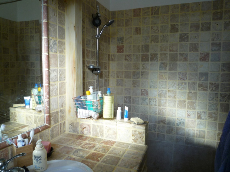 Location maison / villa Jonquieres 737€ CC - Photo 5