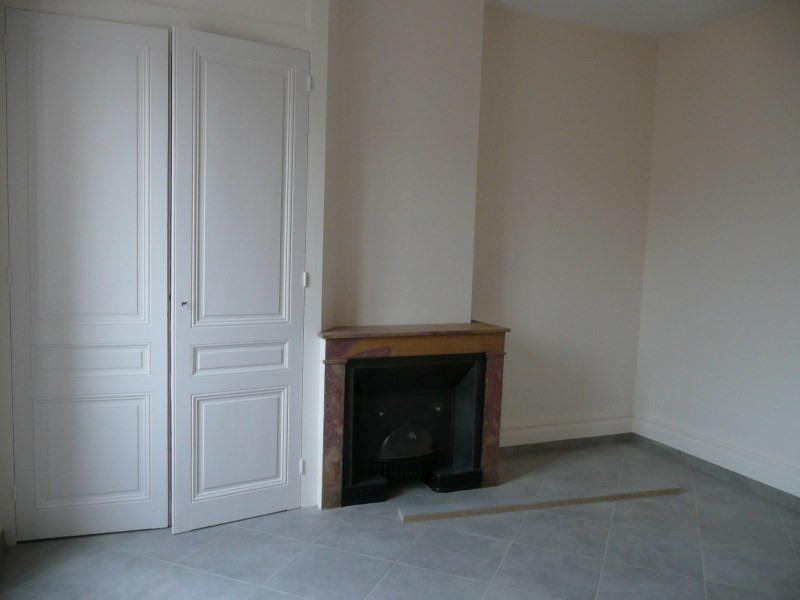 Location appartement Oullins 741€ CC - Photo 5