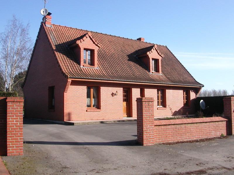 Location maison / villa Quiestedes 765€ CC - Photo 1