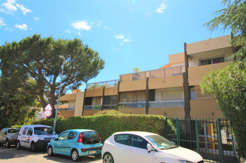 Sale apartment Saint laurent du var 115 000€ - Picture 3