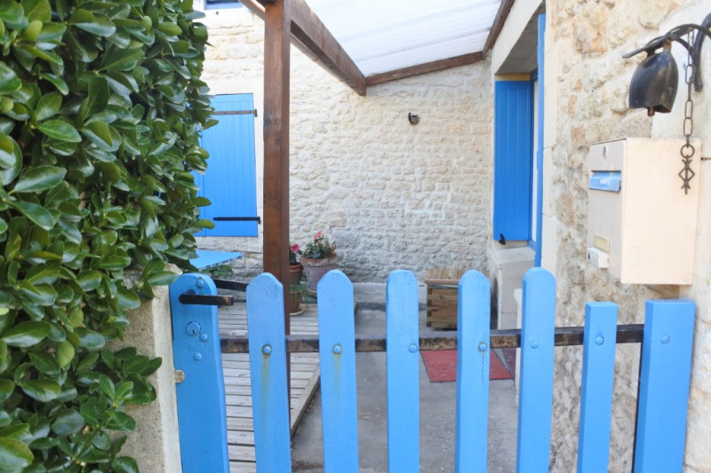 Sale house / villa Saint just luzac 186170€ - Picture 9