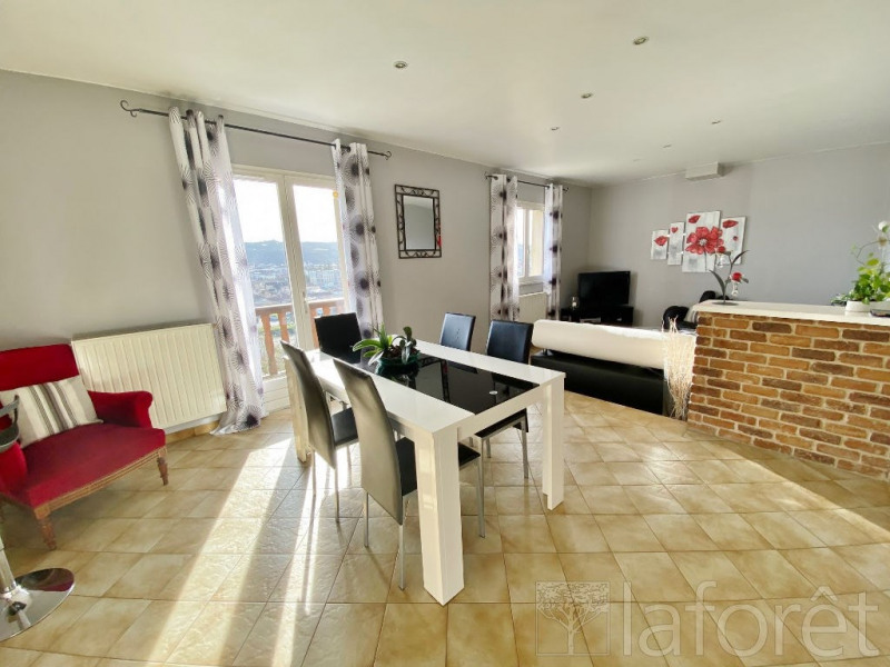 Sale house / villa Bourgoin jallieu 275000€ - Picture 2