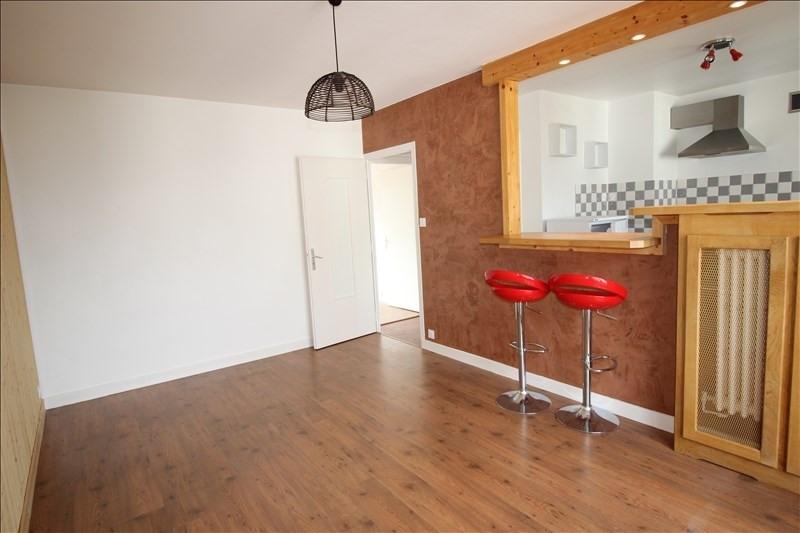 Rental apartment Saint pierre en faucigny 705€ CC - Picture 2
