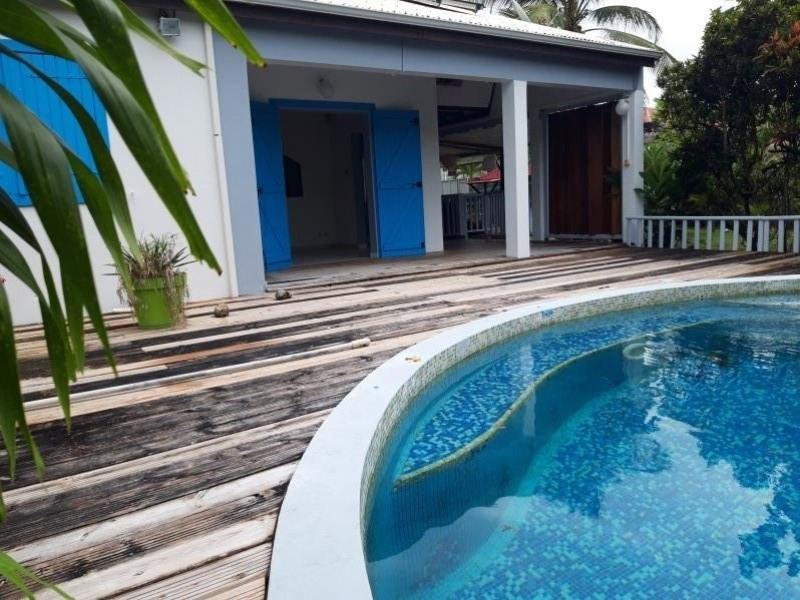 Location maison / villa Ste anne 1300€ CC - Photo 1