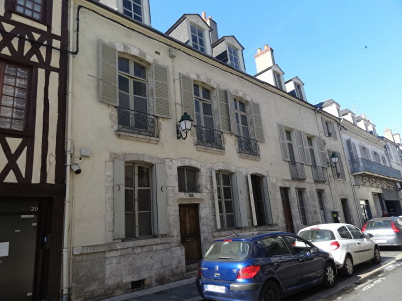 Sale building Montargis 254 700€ - Picture 1