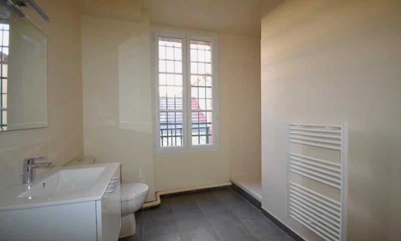 Rental apartment Les clayes sous bois 950€ CC - Picture 5