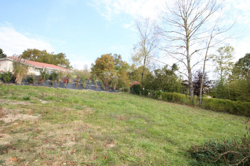 Vente terrain Morestel 66 000€ - Photo 1