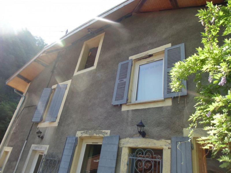 Sale house / villa Gieres 320 000€ - Picture 1
