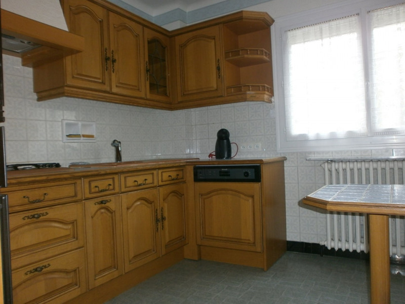 Sale house / villa Ivry la bataille 242000€ - Picture 5