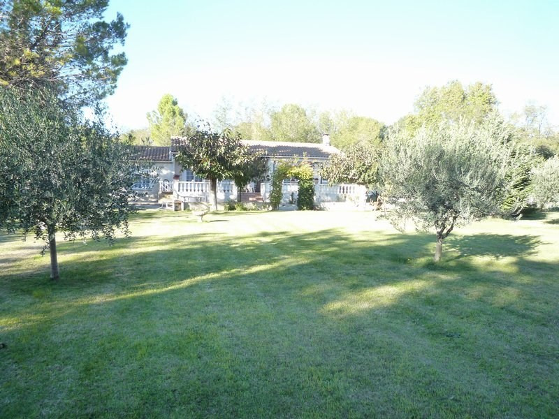 Sale house / villa Uchaux 399000€ - Picture 1