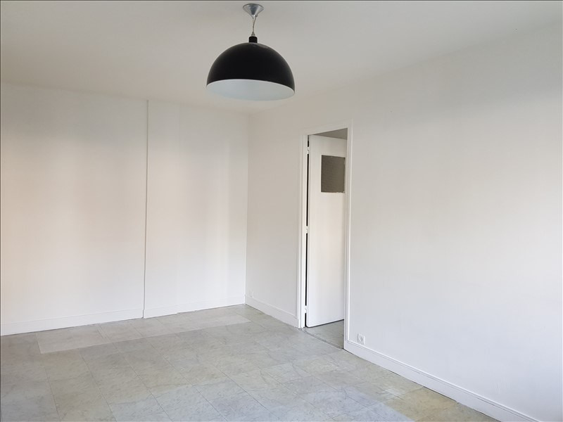 Rental apartment Clamart 840€ CC - Picture 7