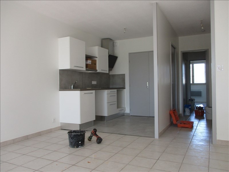 Location appartement Montelimar 525€ CC - Photo 1