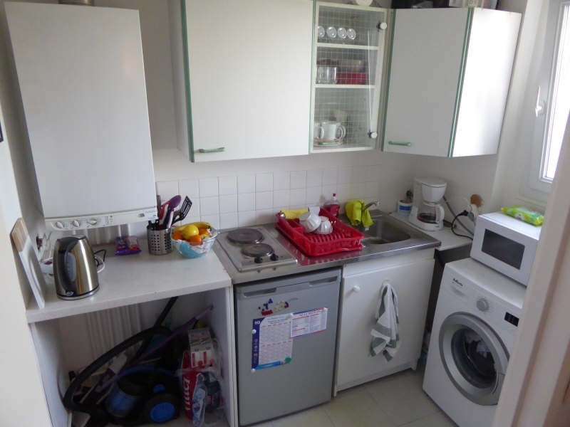 Rental apartment Maurepas 612€ CC - Picture 2
