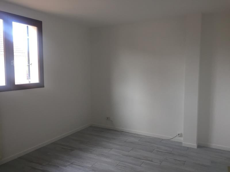Rental house / villa Guyancourt 1450€ CC - Picture 8